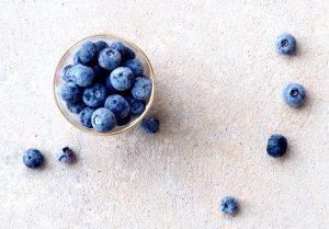 Ernährungsberatung, Schale mit Blaubeeren