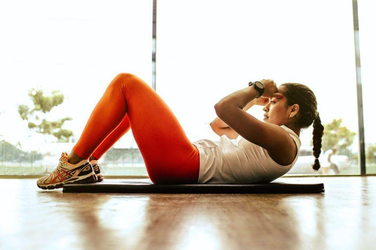 Fitness, Frau beim Sport